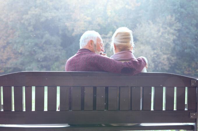 Sexualité : 5 bonnes raisons de pimenter votre vie de couple après 50 ans